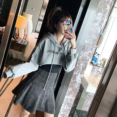 克妹Ke-Mei【AT62358】KM獨家自訂,假二件歐美時髦字母連帽+背心上衣
