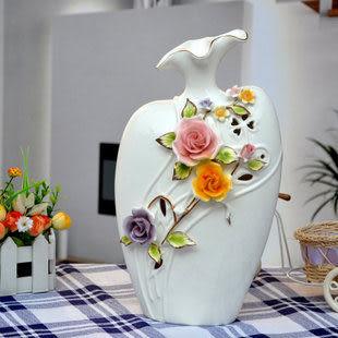 陶瓷鏤空花朵浮雕花瓶 A款