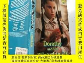 二手書博民逛書店doroth罕見and the wizard in oz:《奧茲》中的多蘿絲和巫師:Y200392