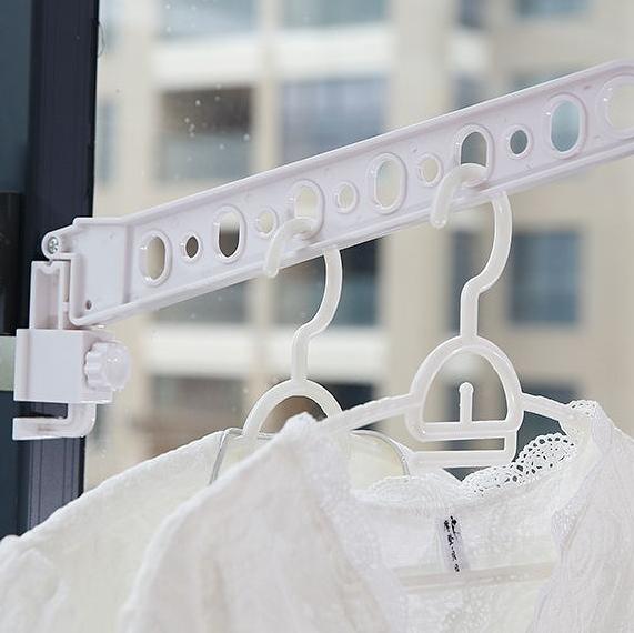 [現貨] 萬用折疊窗框曬衣架 摺疊衣架 雨天室內可用《單入》