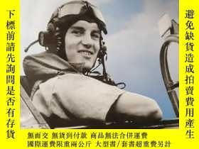 二手書博民逛書店Forgotten罕見Few: Naval Fighter Pilots in the Battle of Bri