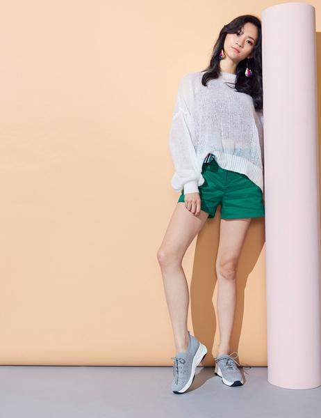 2019秋冬_Keeley Ann樂活運動風 水鑽透氣拼接休閒鞋(灰色) -Ann系列