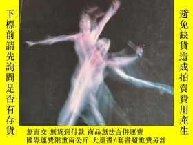 二手書博民逛書店英文原版·畫冊:The罕見Royal Ballet & Sadler s Wells Royal Ballet 1