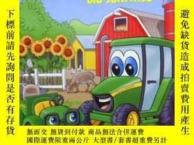二手書博民逛書店英文原版罕見少兒繪本 Johnny tractor and th