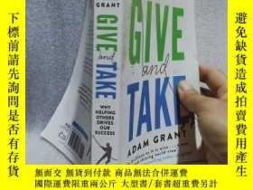二手書博民逛書店實物拍照;Give罕見and Take: Why Helping