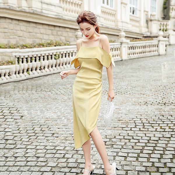 VK旗艦店 韓國風緞面一字領吊帶荷葉邊不規則性感無袖洋裝