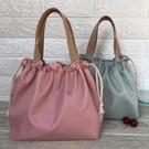防水袋 新款純色防水飯盒包手提包可愛抽繩便當袋午餐包帶飯包飯盒手提袋【快速出貨八折下殺】