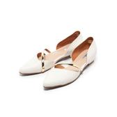 【Fair Lady】優雅小姐Miss Elegant 金屬斜帶側挖空尖頭低跟鞋 白