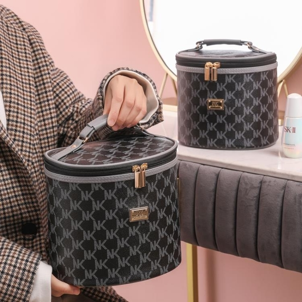 化妝包大容量便攜化妝品收納包放水乳液箱洗漱包【匯美優品】