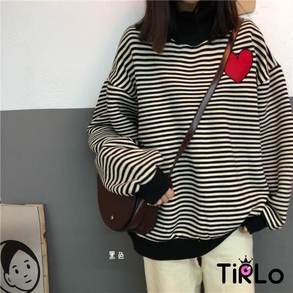 長T -Tirlo-小高領刺繡愛心條紋衛衣-兩色