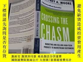 二手書博民逛書店Crossing罕見the Chasm:Marketing an