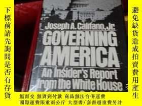 二手書博民逛書店Governing罕見America : an insiders