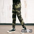 【7485-7486】工裝迷彩布標側袋彈力縮口褲 鬆緊 慢跑褲(共二色)● 樂活衣庫