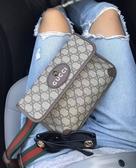 ■專櫃86折■Gucci 全新真品 GG Supreme 501050 老虎浮雕裝飾小款雙層包