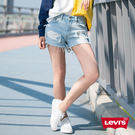 Levis 女款 501 排釦牛仔短褲 / 刷破抽鬚不收邊