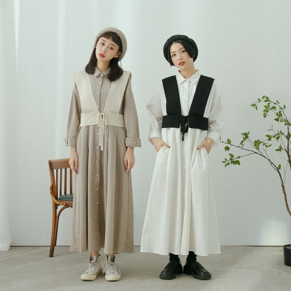Queen Shop【01085392】前後寬打褶設計排釦洋裝 兩色售*現+預*