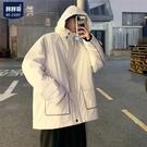 大尺碼外套 胖胖哥新款棉服男士冬季寬鬆百搭個性棉衣大碼胖子連帽工裝潮外套-全館88折起