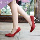 大尺碼女鞋-凱莉密碼-時尚尖頭金屬亮片布...