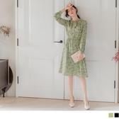 《DA7157-》復古印花領綁帶鬆緊收腰洋裝 OB嚴選