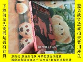 二手書博民逛書店Rumble罕見FishY204356 S. E. Hinton