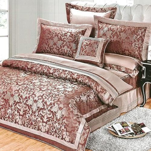 義大利La Belle《赤色濃情》雙人緹花八件式鋪棉兩用被床罩組