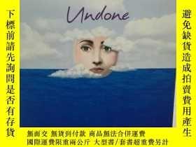 二手書博民逛書店She s罕見Come Undone by Wally Lamb