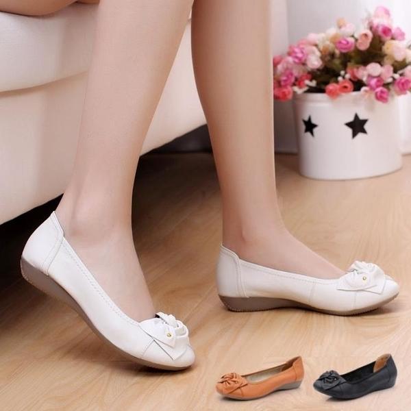 春秋中年女鞋媽媽鞋單鞋女真皮平底鞋豆豆鞋女中老年軟底休閑皮鞋