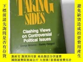 二手書博民逛書店taking罕見sides clashing views on controversial political l