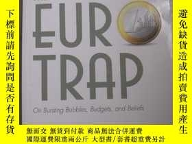 二手書博民逛書店THE罕見EUR TRAP On Bubbles,Budgets