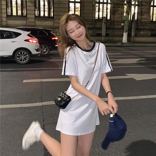 VK旗艦店 韓國學院風時尚T恤修身線條肩短袖洋裝