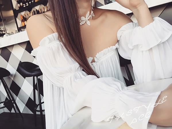 Star 日韓系列 -  白色蕾絲手工珍珠花朵拼接頸圈- B59