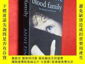 二手書博民逛書店Blood罕見Family (32開 ) 【詳見圖】Y5460
