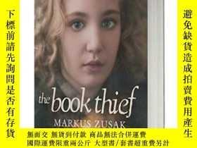 二手書博民逛書店英文原版罕見The Book Thief 偷書賊 電影版Y210