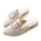 amai《oh!我的夢露》金屬圓釦尖頭樂福穆勒鞋 杏白色
