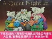 二手書博民逛書店{童書·繪本類}The罕見Large Family :A Quiet Night In【英文原版 橫版16開 19