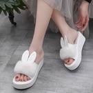 增高拖鞋 新款厚底楔形拖鞋女春夏時尚外穿兔耳朵鬆糕厚底增高一字涼拖-Ballet朵朵