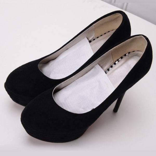 日本進口家用鞋子除臭劑活性炭包靴用防臭劑竹炭鞋塞去味劑干燥劑GW
