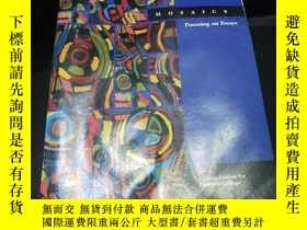 二手書博民逛書店MOSAICS罕見Focusing on EssaysY2624