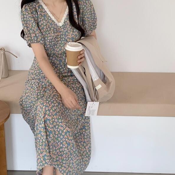洋裝 碎花裙 V領 中大尺碼L-4XL新款大碼寬鬆遮肚子顯瘦連身裙洋氣減齡 R032-3869.胖胖唯依