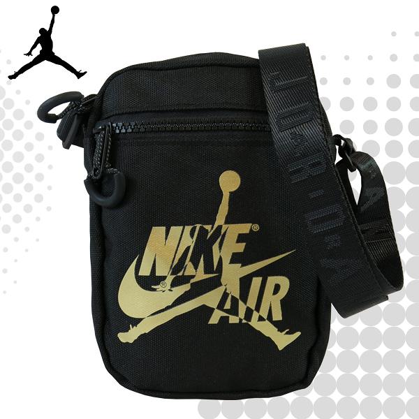JORDAN 喬丹 側背包 飛人 經典LOGO 休閒側背包 小包 金色 9A0314 得意時袋