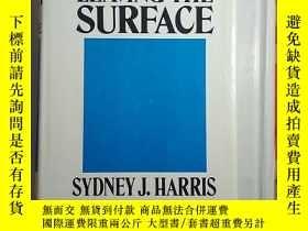 二手書博民逛書店Leaving罕見the surfaceY179933