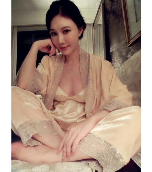 春季高端定制肉粉色三件套 真絲絨長款睡袍家居服長褲套裝女-52110010