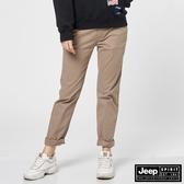 【JEEP】女裝舒適素面休閒長褲-卡其