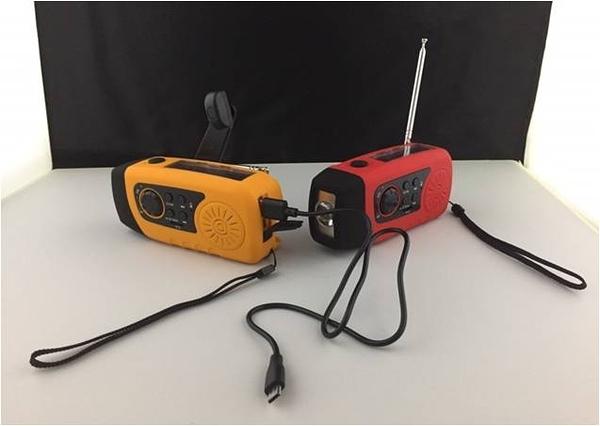 [好也戶外] K2 緊急手電筒收音機(本產品顏色採隨機出貨,恕不提供選色) No.k2-0218 No.k2-0218-1
