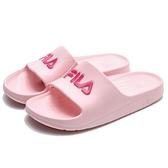 FILA (偏小建議大一號) 粉 桃紅 英文LOGO 基本款 防水 拖鞋 女 (布魯克林) 4S355R555