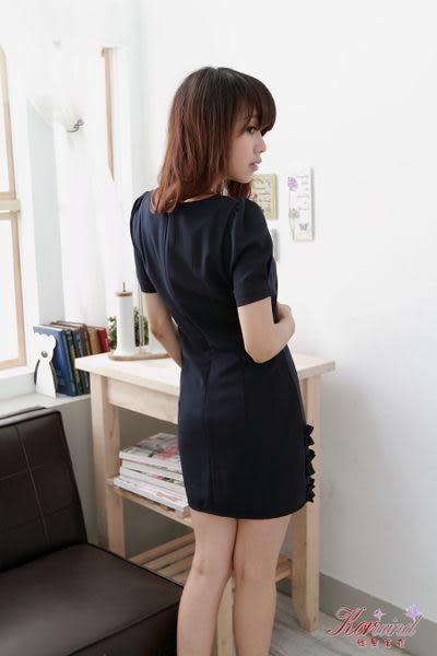 深藍下擺造型設計洋裝