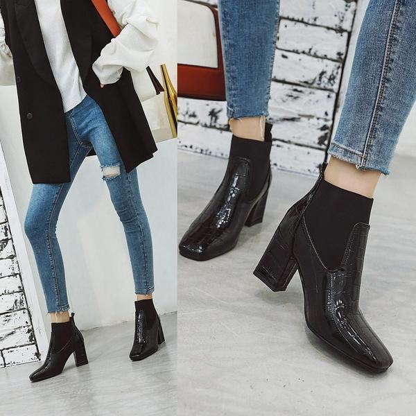 大尺碼女鞋  時尚帥氣鬆緊口石頭紋方頭高跟短靴~3色