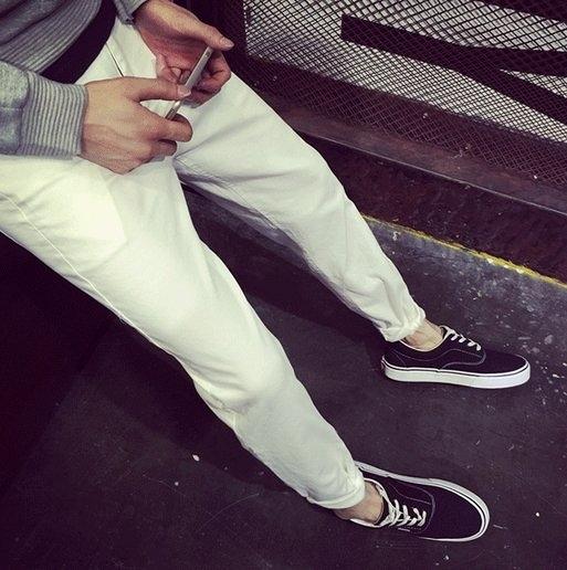 韓國 白趴 質感 牛仔 彈力 牛仔 平價 服飾  UNO KURO RO