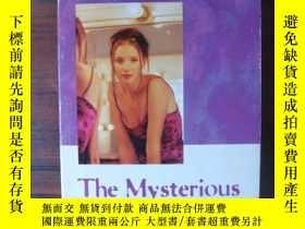 二手書博民逛書店The罕見Mysterious TwinY85718 Leona