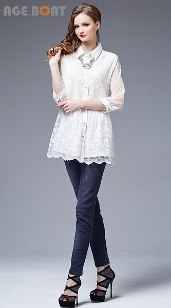 【AGE BOAT】秋冬品牌服飾特賣~花朵蕾絲布立領排扣七分長版襯衫  NO.152101